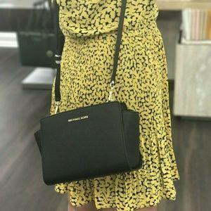 Michael Kors Selma Crossbody Bag Black leather